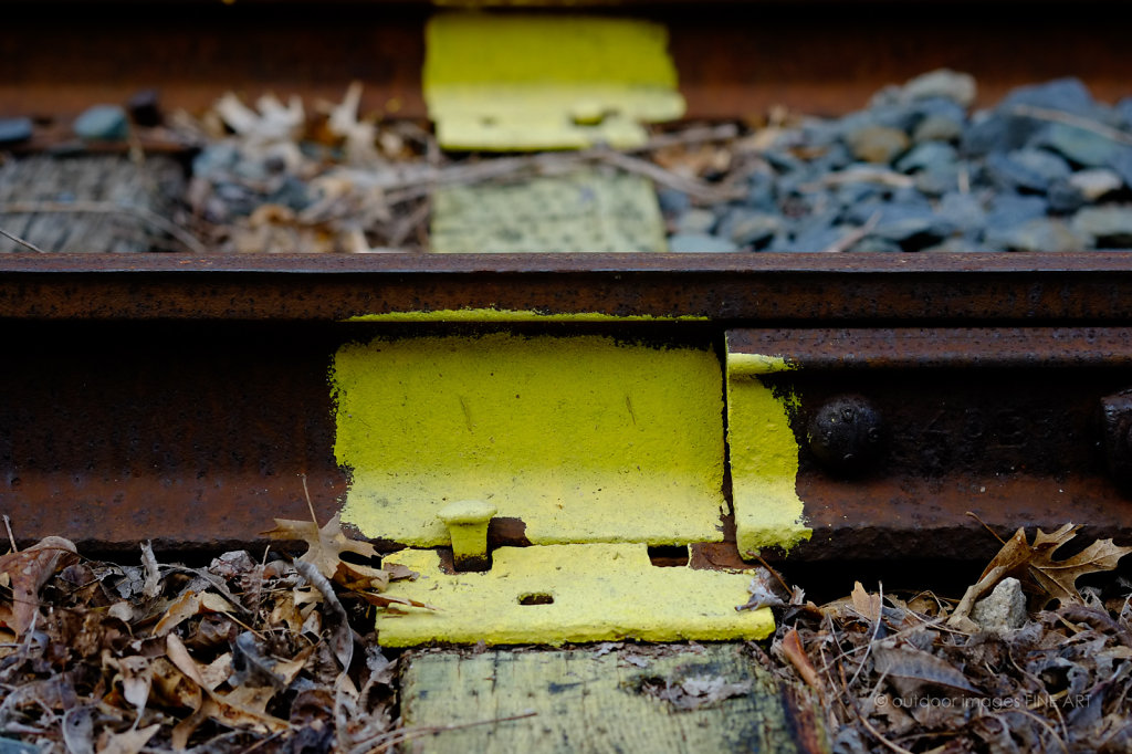 Yellow Striped Tracks 2
