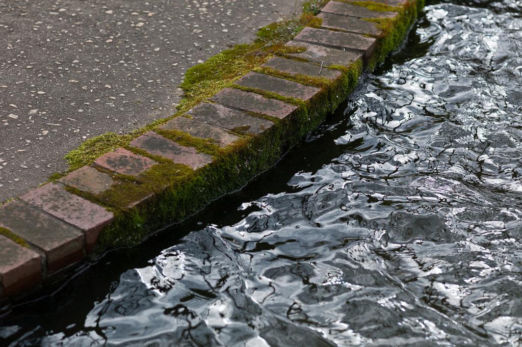 Metalic Water